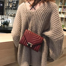 New small bag female 2018 new wave Korean version of the simple chic chain bag small square bag wild shoulder Messenger bag