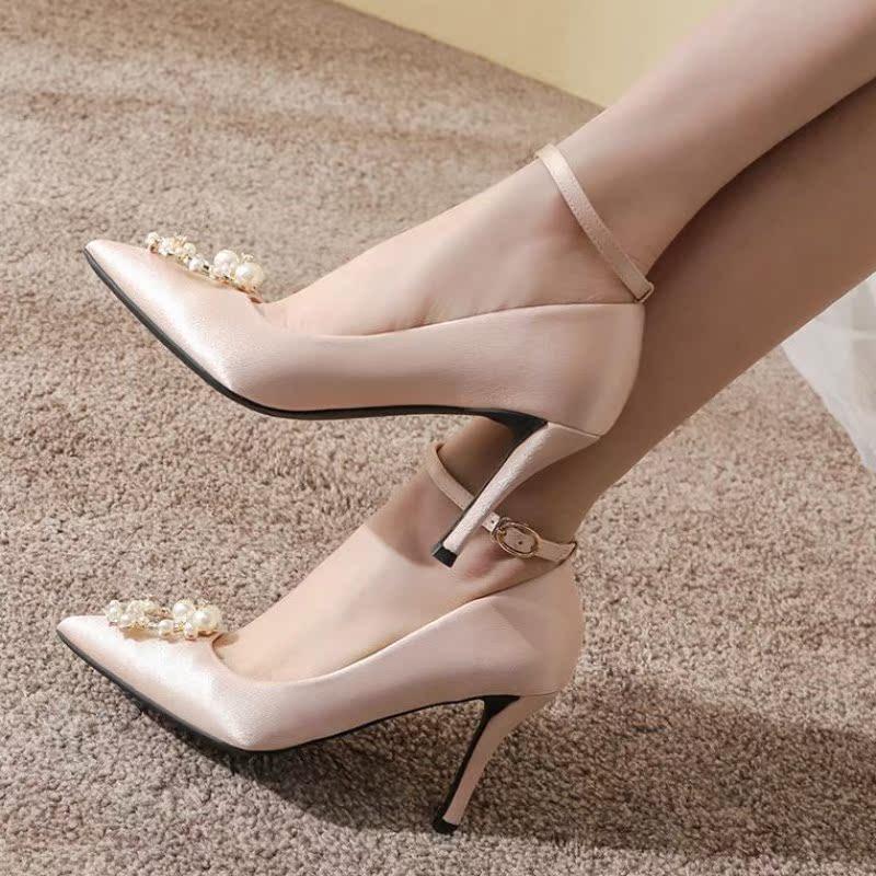 扣高跟鞋细跟尖头珍珠扣鞋结婚鞋子礼服婚纱婚鞋女2018新款