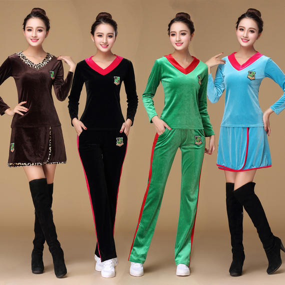 New autumn and winter new velvet new square dance costume female middle-aged collective sports costumes