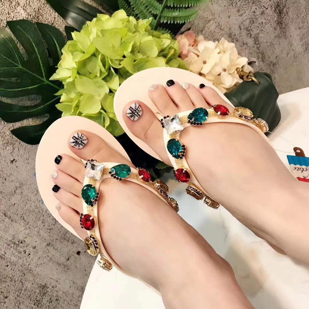 2018夏季新款 时尚五彩施华钻沙滩女款高跟度假海边人字拖 凉鞋