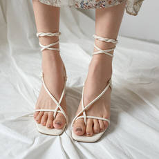 2018 new nude color lace square head strap high heel cross straps with Roman sandals female summer thick with