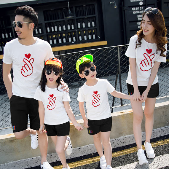 Parent-child 2018 new summer family suit mother and son father and son short-sleeved t-shirt family three family home tide