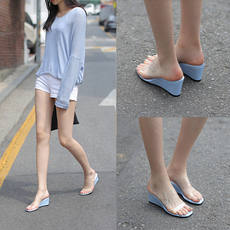 Korean version of the transparent sandals female summer 2019 new holiday slope with slippers sexy word with open toe high heel crystal shoes