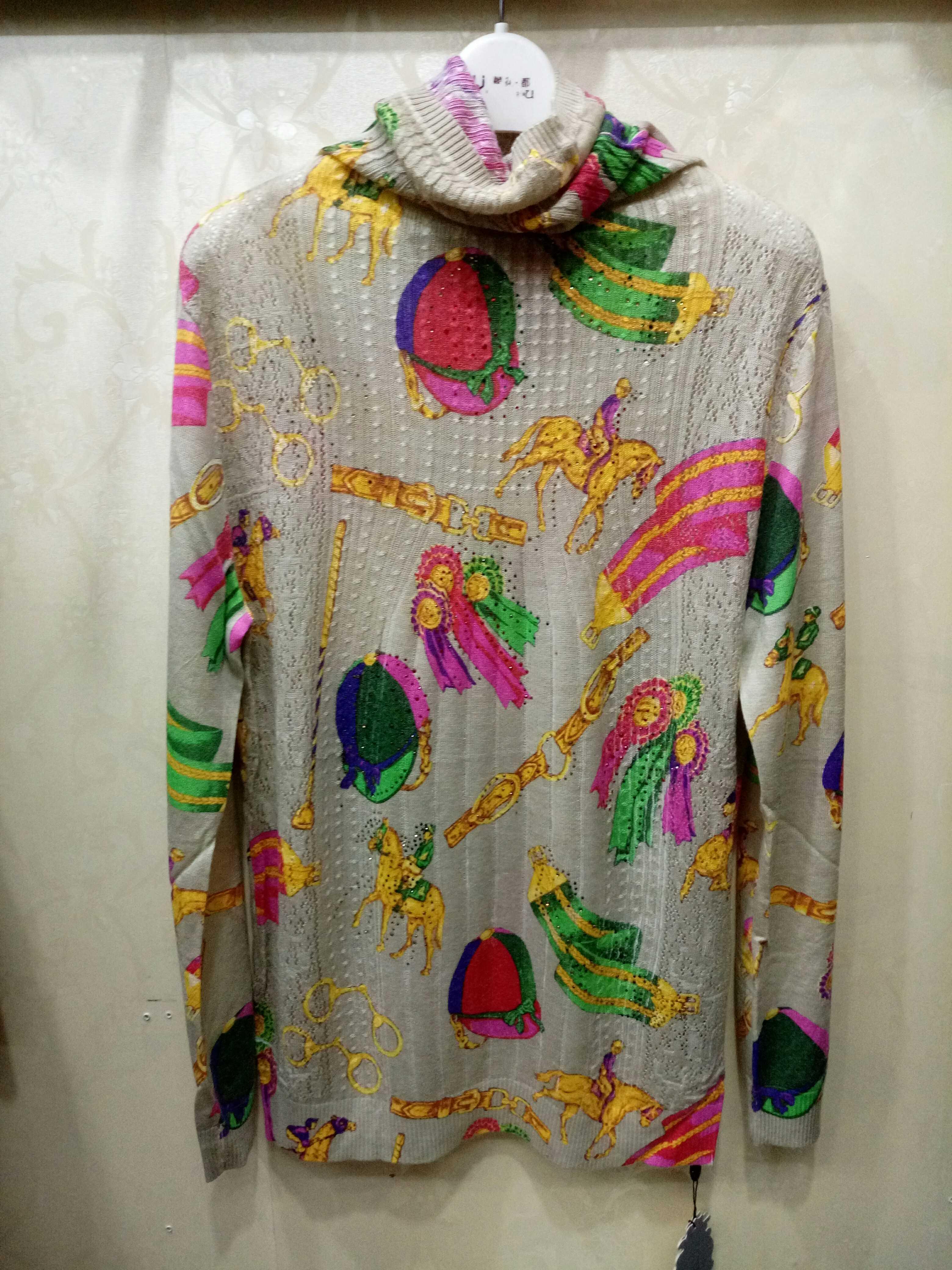发泰鑫格烫钻印花天丝羊毛抗起球高领薄款羊毛衫大码正品打底毛衫
