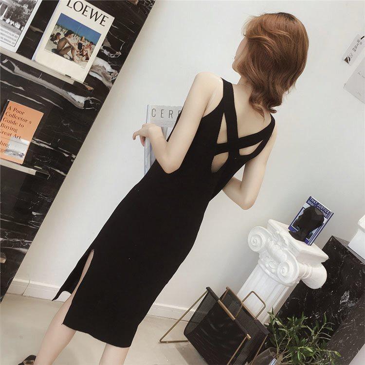 中长款露背针织连衣裙女装夏季新款开叉吊带修身小黑裙韩版背带裙