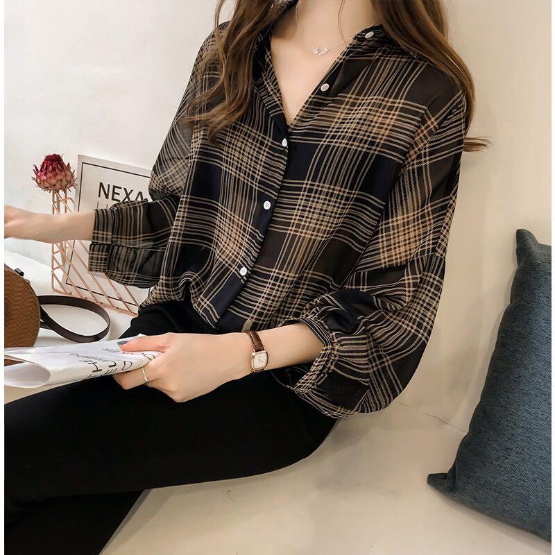 2019春夏新款格子衬衫女长袖外套韩版宽松中长款学生港风大码衬衣