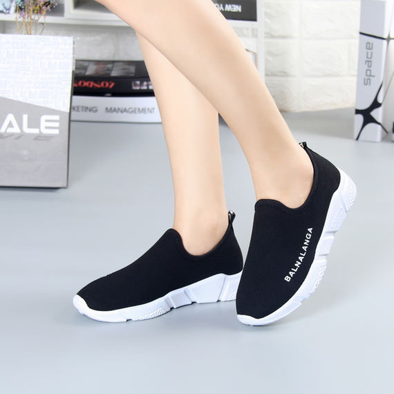 Winter plus velvet thickening old Beijing cloth shoes women's warm flat casual shoes a pedal mother sports cotton shoes 孏