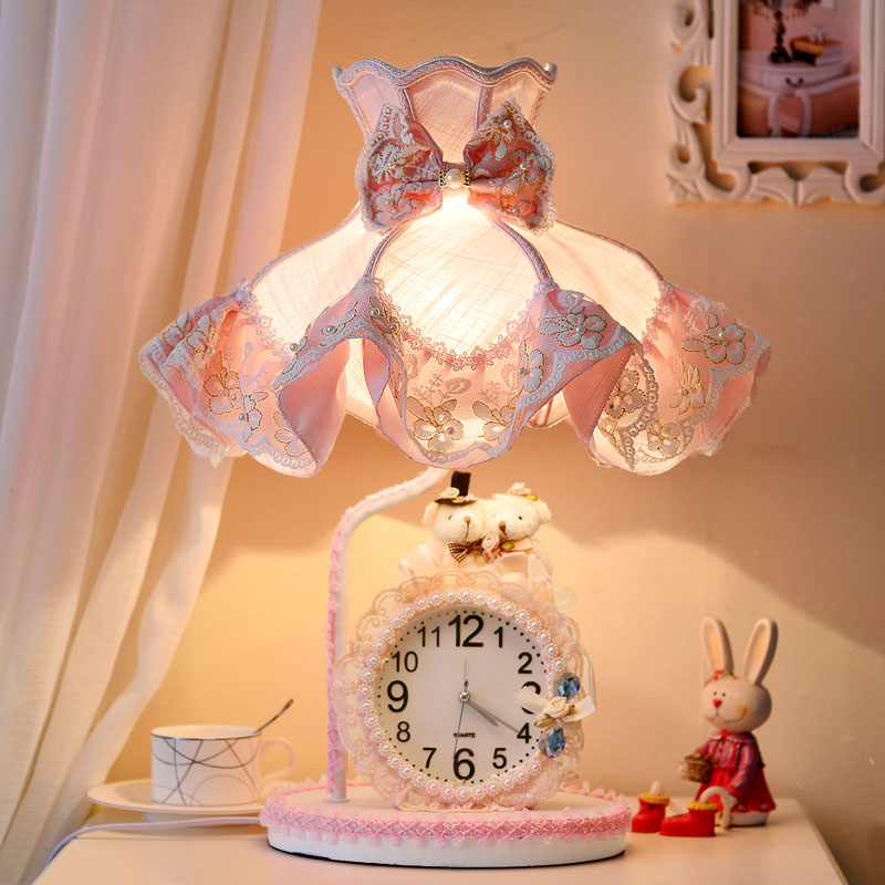 欧式温馨床头灯公主房女孩粉色法式蕾丝台灯卧室生日结婚礼物台灯