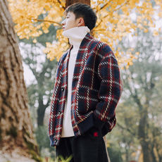 Spring and autumn new contrast color plaid V-neck sweater men's trend cardigan coat Korean version of loose shoulder sweater