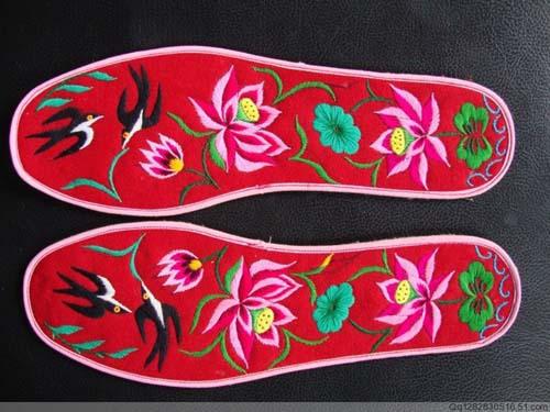 精美纯手工绣花鞋垫《春暖花开》42码26厘米长88元