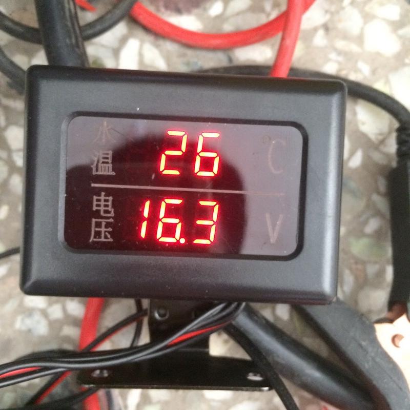 汽车水温表货车改装工程车挖掘机大液晶水温表12V24V电压表组合表