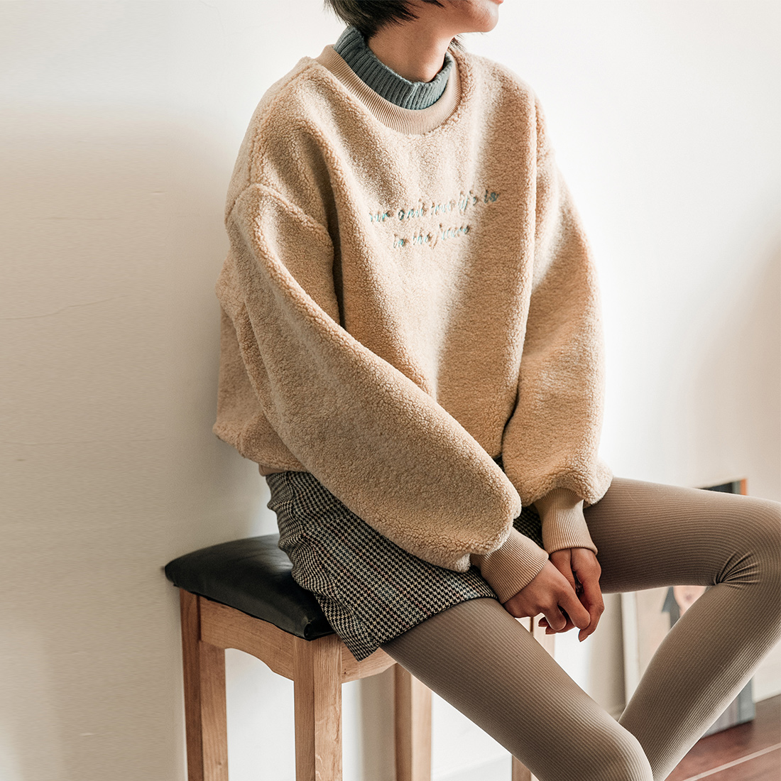 CLOUDSPACE女装字母刺绣撞色拼接套头卫衣女冬V9366