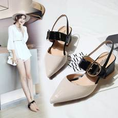 Roman sandals female summer 2018 new word buckle female cool with heel pointed shoes hollow single shoes patent leather shoes