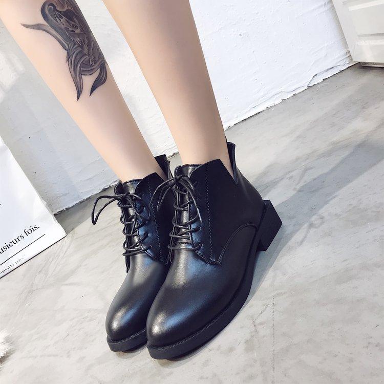 2018秋冬新款百搭马丁靴女短靴系带尖头欧美中跟粗跟英伦风靴子潮