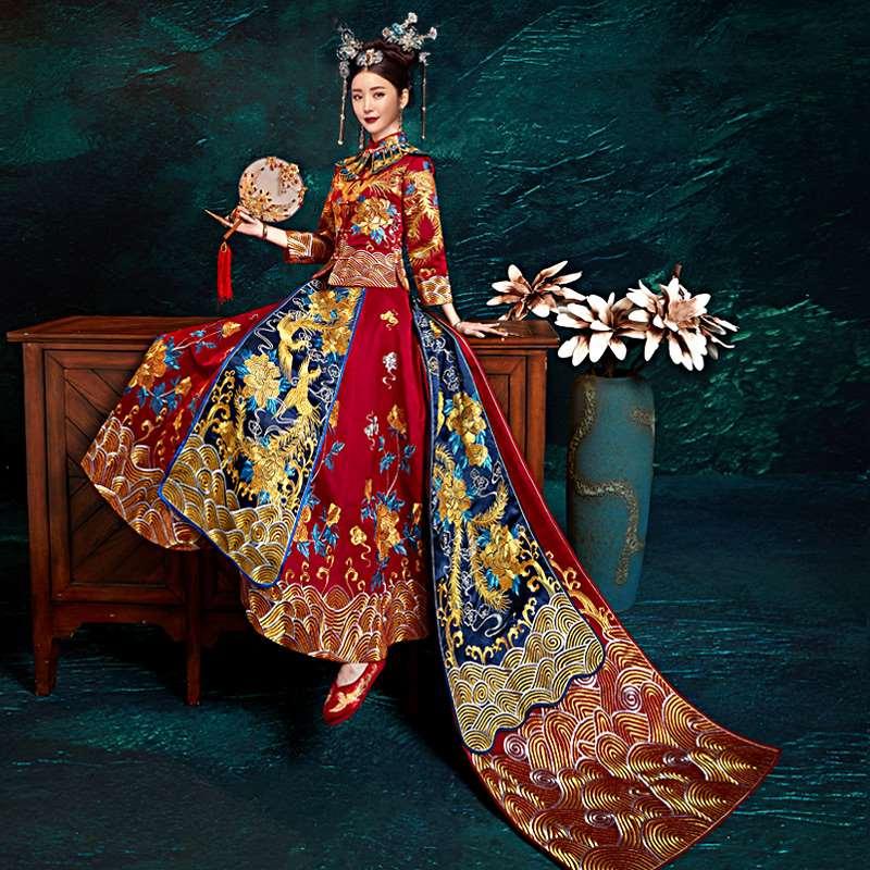 秀禾服新娘2019新款夏龙凤褂结婚男女套装中式婚纱礼服拖尾秀和服