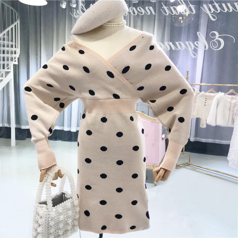 气质波点裙女2018冬季新款韩版长袖高腰修身V领百搭针织连衣裙