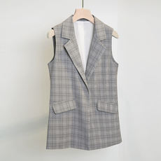 Add to the shape ~! Light retro level wear ~ Workplace need to prepare ~ Plaid Three-dimensional cut vest