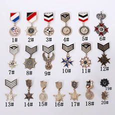 Chao new products British retro college wind medal badge pin alloy brooch Korean trend jewelry