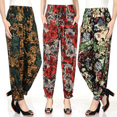 Specials every day in the elderly women's pants pants thin summer ice silk mother pants loose large size elastic nine pants
