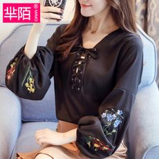 Embroidered lantern sleeves chiffon bottoming shirt female 2018 spring and autumn new Korean version of the wild temperament straps on the clothes tide