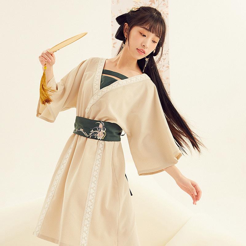 【十三余 小豆蔻儿】[故归] 汉元素假交领套头绣花腰封连衣裙