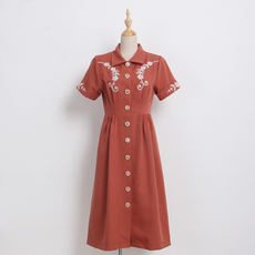 Big Eees homemade Embroidered rouge brick red waist short sleeves beautiful heavy work dress White temperament retro style