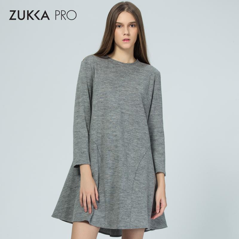 ZUKKA PRO卓卡冬季时尚新品简约羊毛长袖修身潮流百褶连衣裙