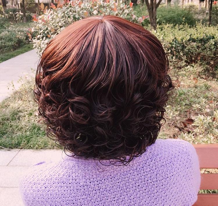 女士假发 斜刘海波浪卷发烫发型 时尚梨花头短款假发图片