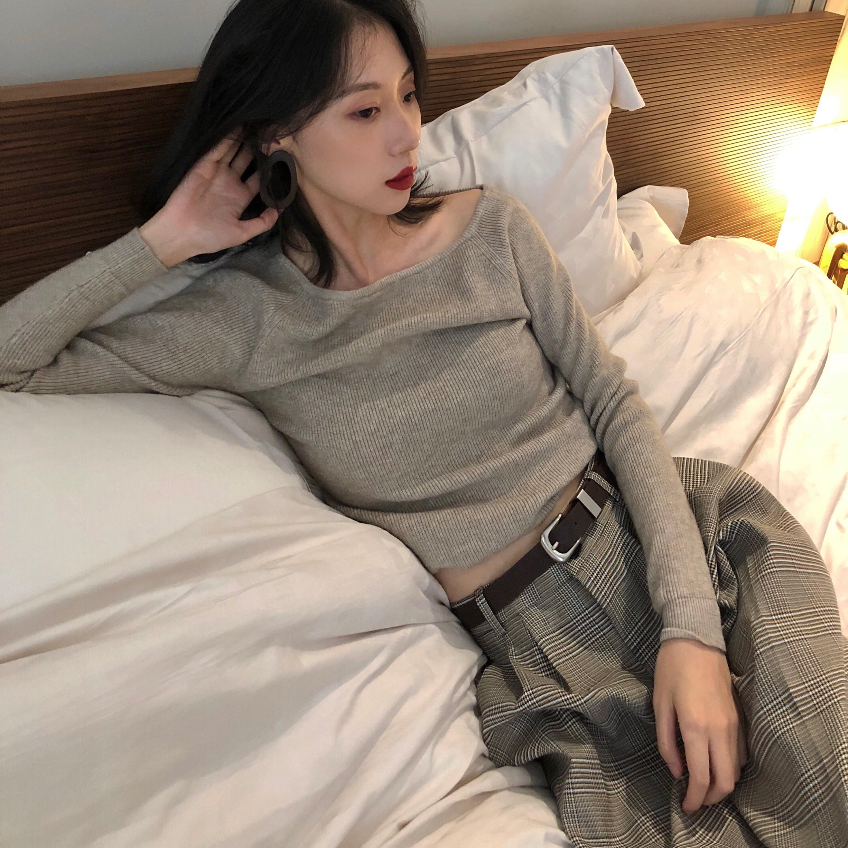 针织衫女长袖2018秋季新款圆领条纹简约慵懒风毛衣短款纯色打底衫