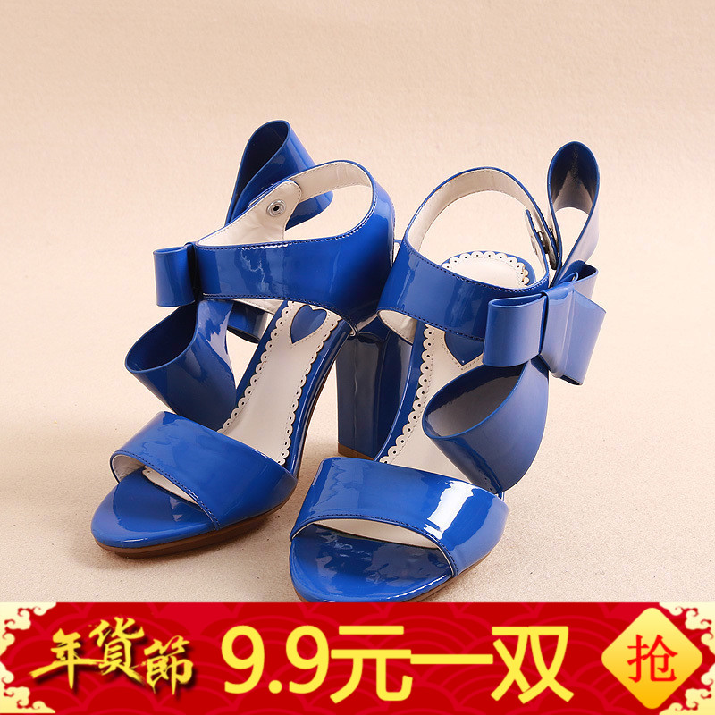 奥系列剪标2017夏季新款时尚粗跟舒适漆皮百搭女凉鞋XZ009H