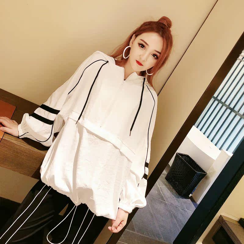 娃娃家潮流女装 2018早秋新款 韩版时尚 撞色连帽女棒球服卫衣衫