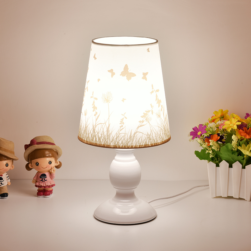台灯卧室床头灯简约现代创意浪漫欧式台灯喂奶节能家用客厅小台灯