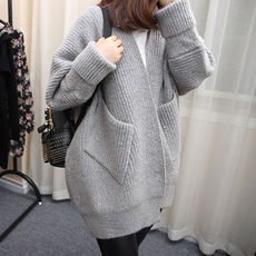 2018 early spring and autumn new knit sweater female cardigan long long-sleeved V-neck loose Korean sweater jacket outside