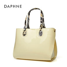 Daphne/Daphne bags Japan and South Korea fashion patent leather casual shiny serpentine handbag 1015383021