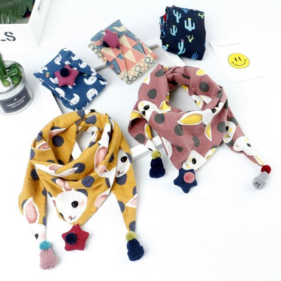 Children's triangle scarf Korean autumn and winter baby triangle towel warm cotton boy girl pendant floral scarf tide