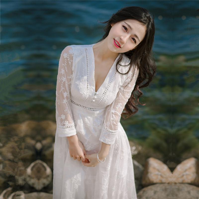 连衣裙才是女人味的表现,秋天穿它更美丽
