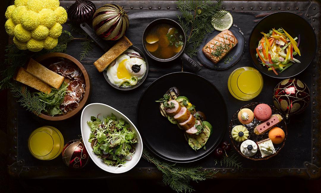 上海半岛酒店特别设计的节日主题菜单及特殊礼遇,为家家户户带来