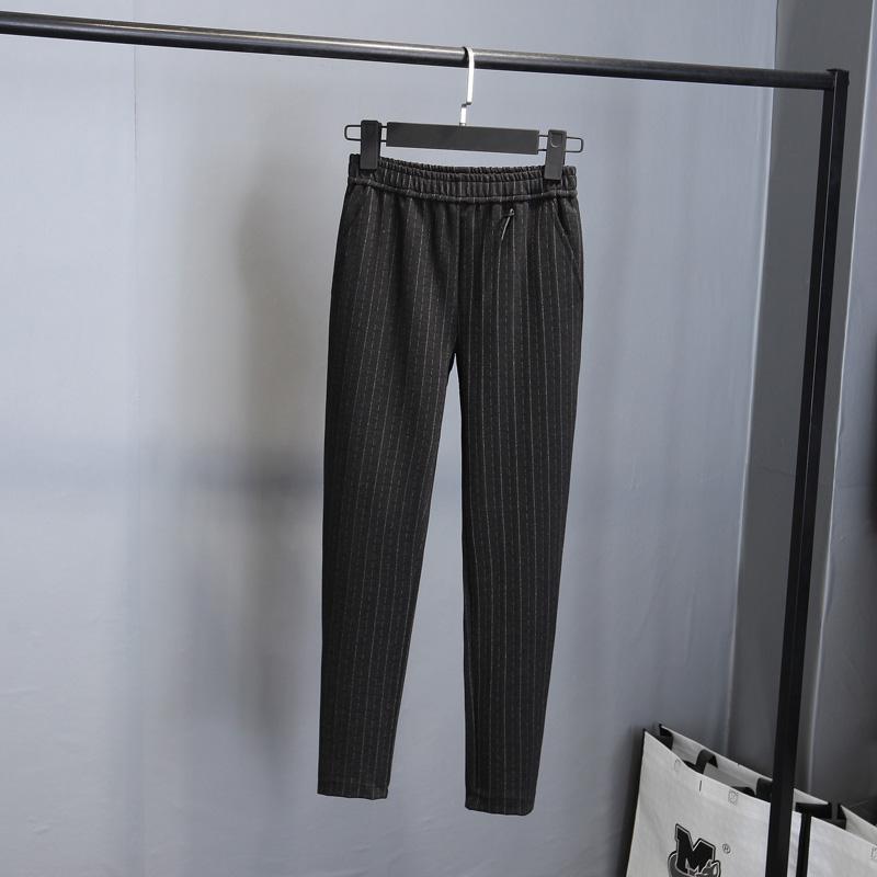 如何穿简单的衣服,又穿出显贵的效果?