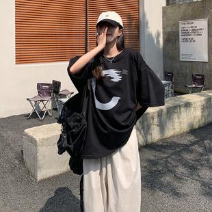 SIXI四喜家春夏 水波流动式C字符 印花短袖T恤女宽松街头休闲上衣