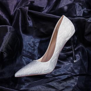 网红款高跟鞋银色闪闪性感百搭显瘦单鞋女尖头浅口细跟宴会鞋婚鞋