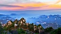 劉昊然向你發出爬山邀請:一起去爬平頂山嗎