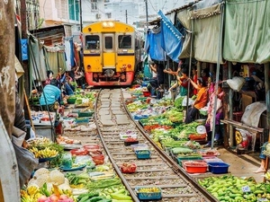 Pattaya Train Market,Kaset Navamin