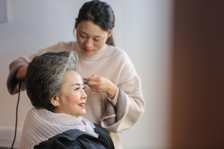 71岁淘女郎日拍百套服饰,身价秒杀嫩模