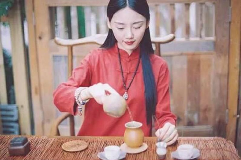 到底什么才是普洱茶转化的条件?