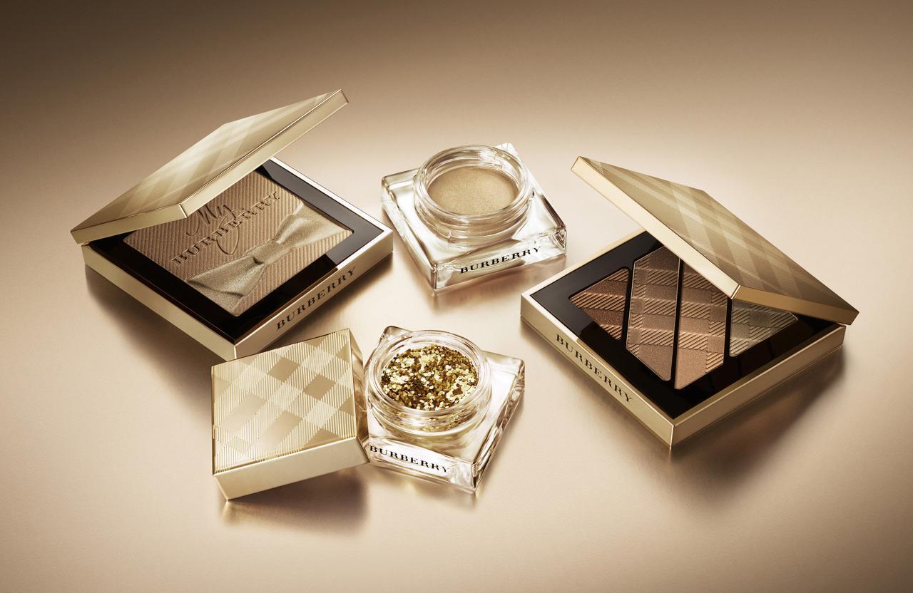 微光柔雾妆感,控油效果也很不错,无论是一般化妆时定妆,或者带出门补妆都适合,可以救暗沉妆面
