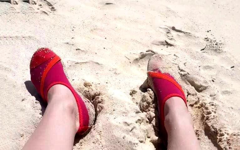 我真的穿了鞋——这可不是袜,是鞋子啊亲!
