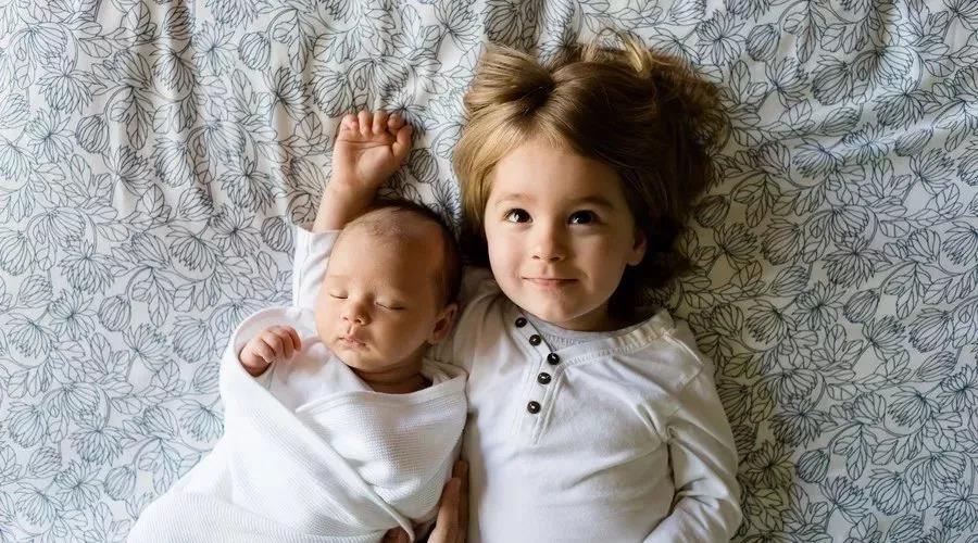 大宝二宝年龄,差距越大越好还是越小越好