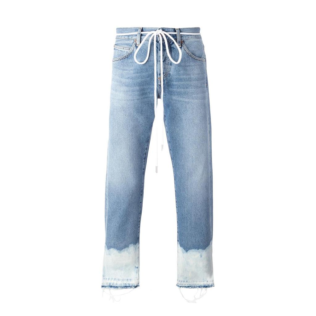得体而抢眼的牛仔裤是这样的