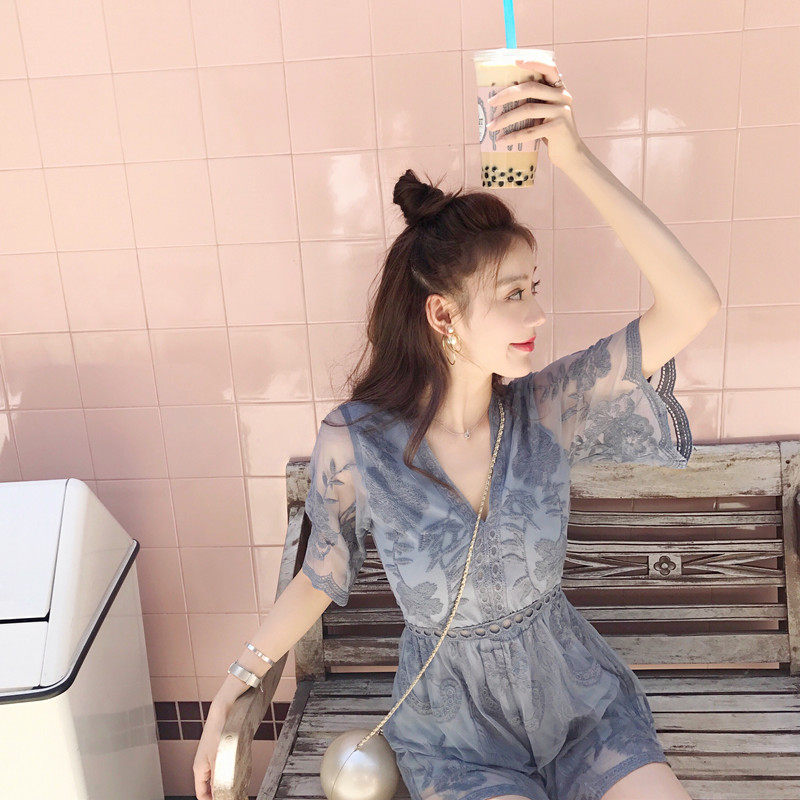 One piece wide leg pants womens summer 2019 super Xianxian thin Jumpsuit shorts high waist V-neck open back lace Jumpsuit