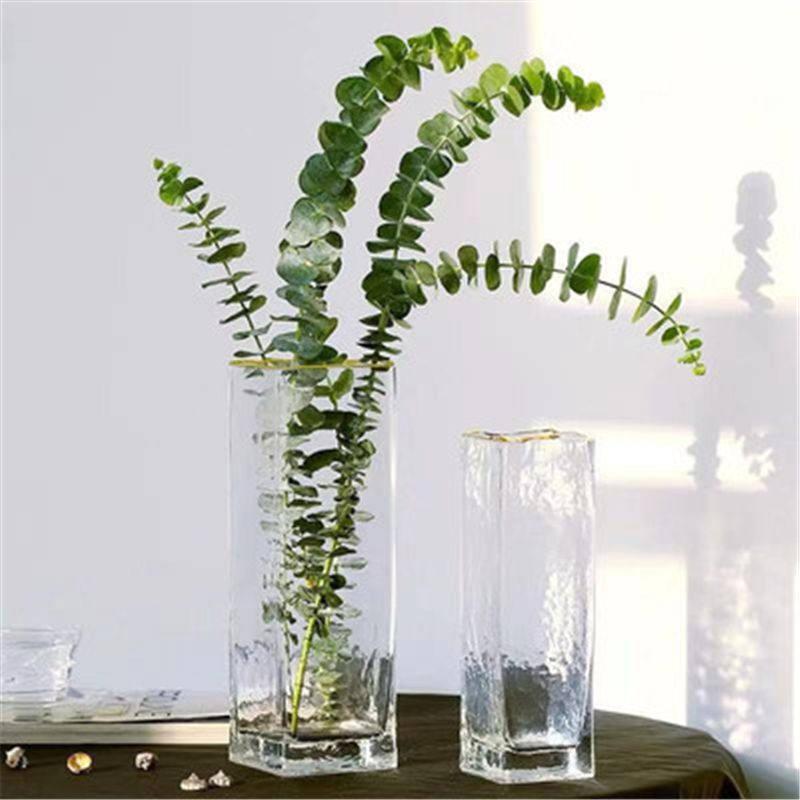 西洋式のアイデアの水培ガラスの花瓶の金の辺の四角形のまっすぐな筒は花器の客間の食卓の柔らかい装饰の置物に挿し込みます。